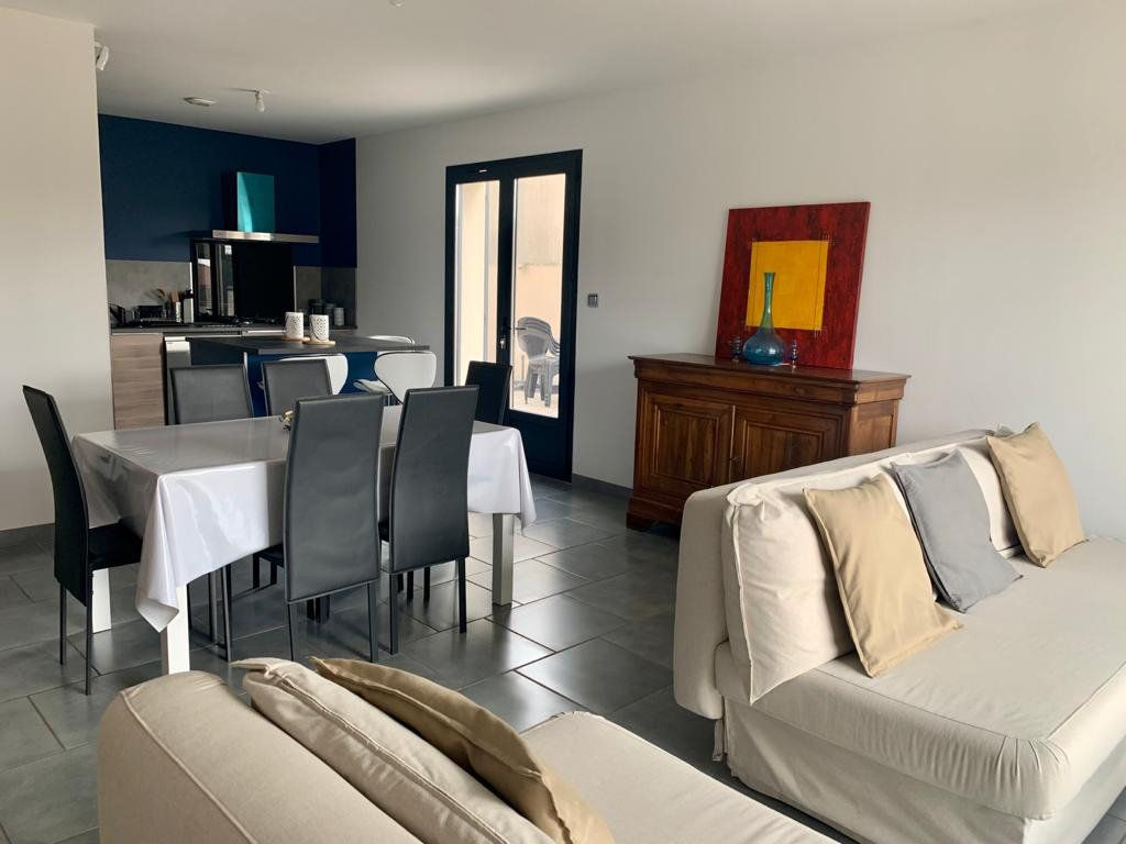 Maison à vendre 5 133m2 à Sorgues vignette-3