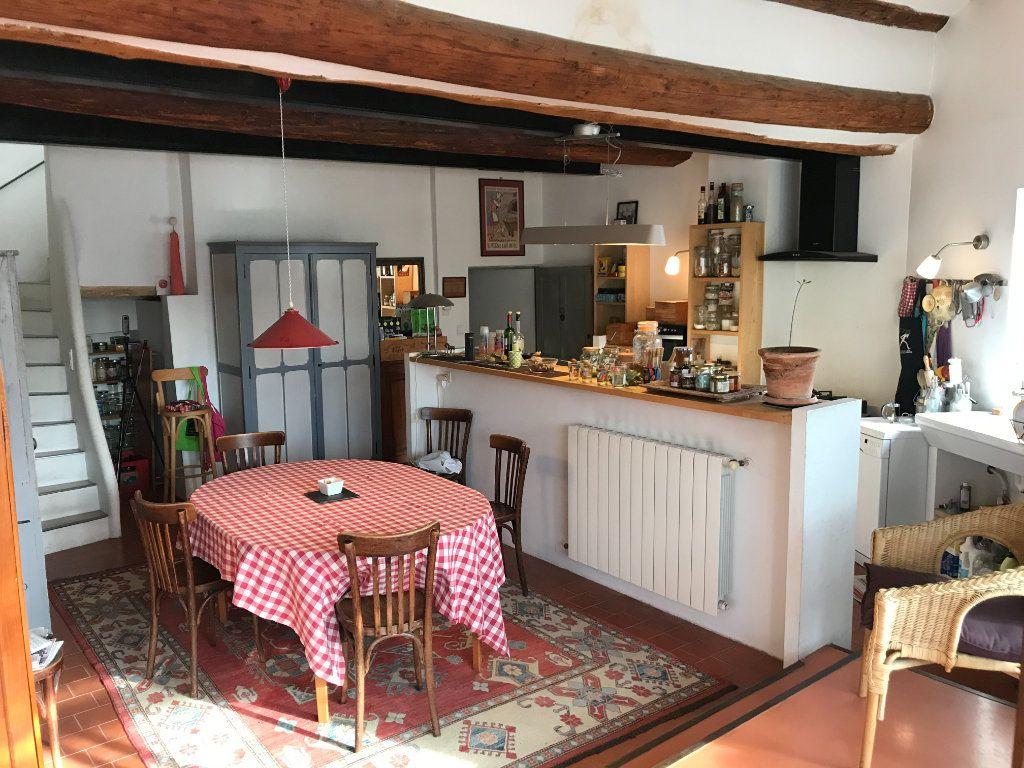 Maison à vendre 4 141m2 à L'Isle-sur-la-Sorgue vignette-3