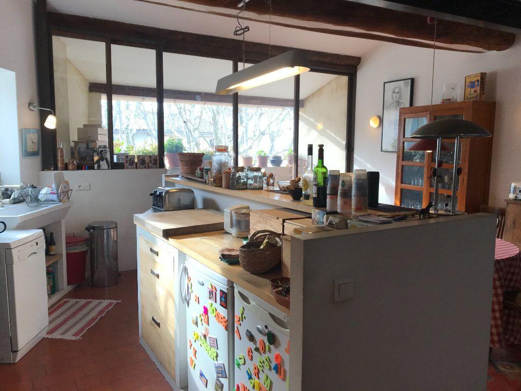 Maison à vendre 4 141m2 à L'Isle-sur-la-Sorgue vignette-4