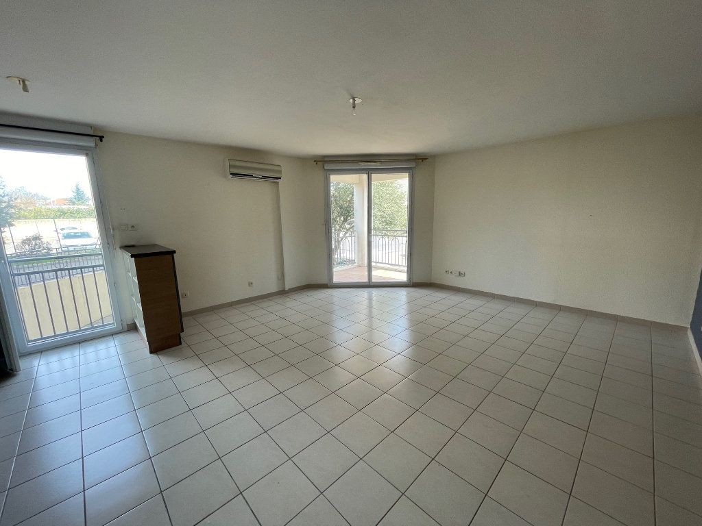 Appartement à vendre 3 60.53m2 à Carpentras vignette-2