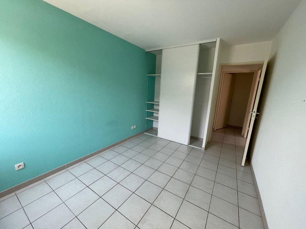 Appartement à vendre 3 60.53m2 à Carpentras vignette-4