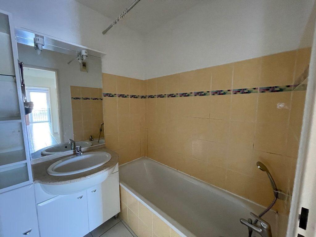 Appartement à vendre 3 60.53m2 à Carpentras vignette-6