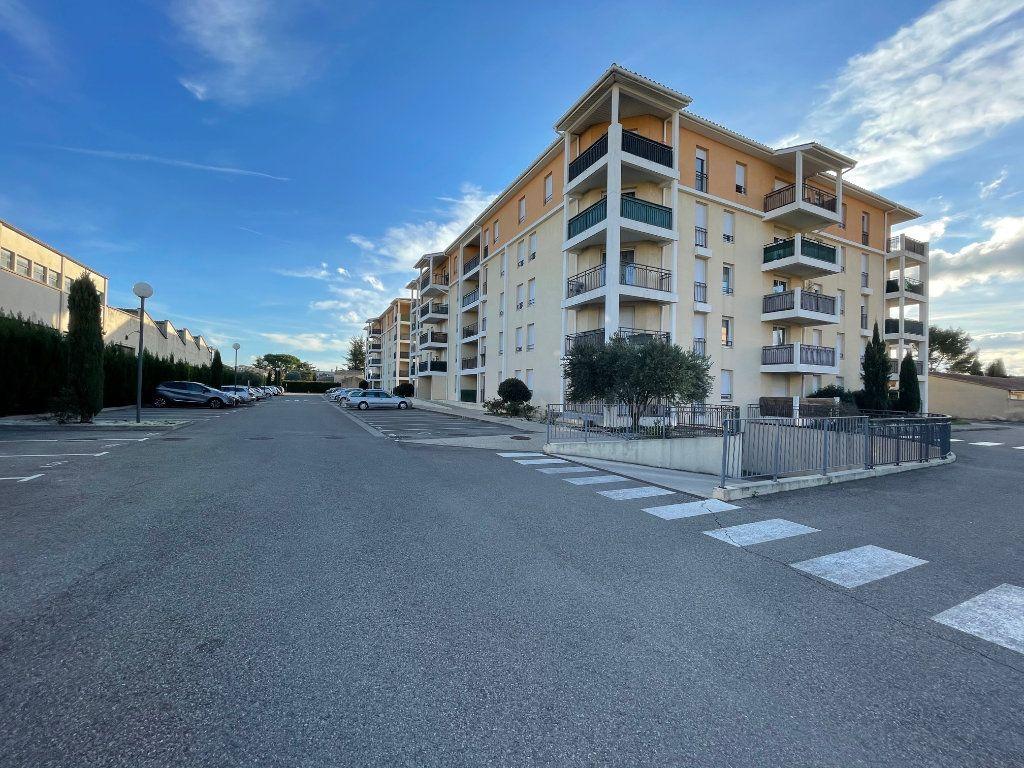 Appartement à vendre 3 60.53m2 à Carpentras vignette-7