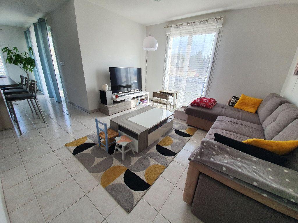 Appartement à vendre 4 83.17m2 à Saint-Martin-de-Crau vignette-1