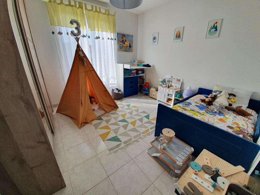 Appartement à vendre 4 83.17m2 à Saint-Martin-de-Crau vignette-4