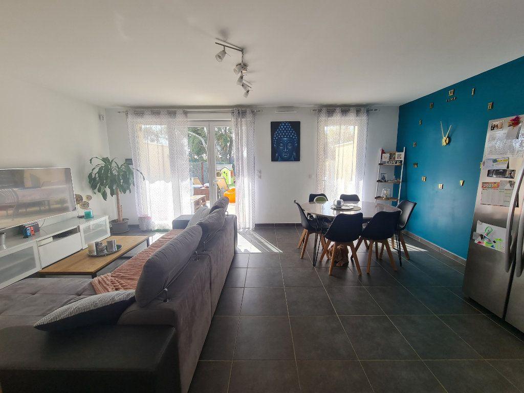 Maison à vendre 4 82.66m2 à Istres vignette-4