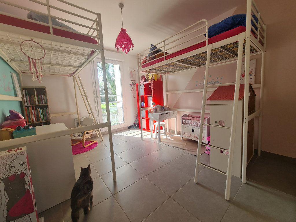 Maison à vendre 4 82.66m2 à Istres vignette-8