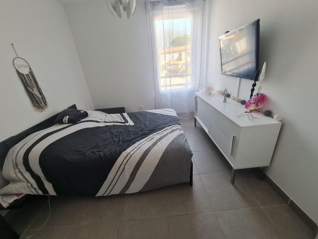 Maison à vendre 4 82.66m2 à Istres vignette-10