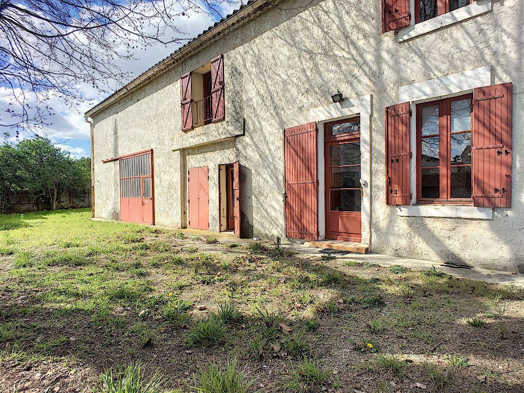 Maison à vendre 7 185m2 à Montfavet - Avignon vignette-1