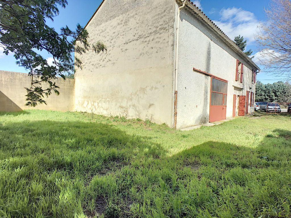Maison à vendre 7 185m2 à Montfavet - Avignon vignette-7
