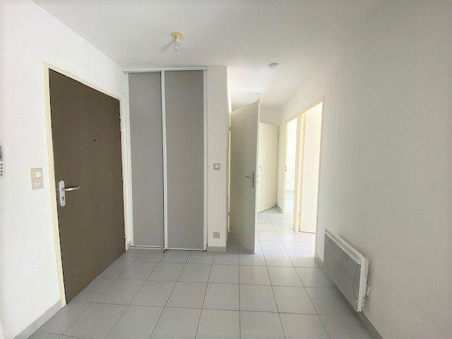 Appartement à louer 3 52.16m2 à Avignon vignette-3