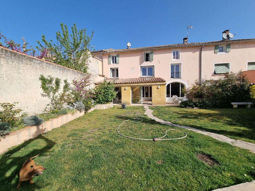 Maison à vendre 9 270m2 à Châteauneuf-de-Gadagne vignette-1