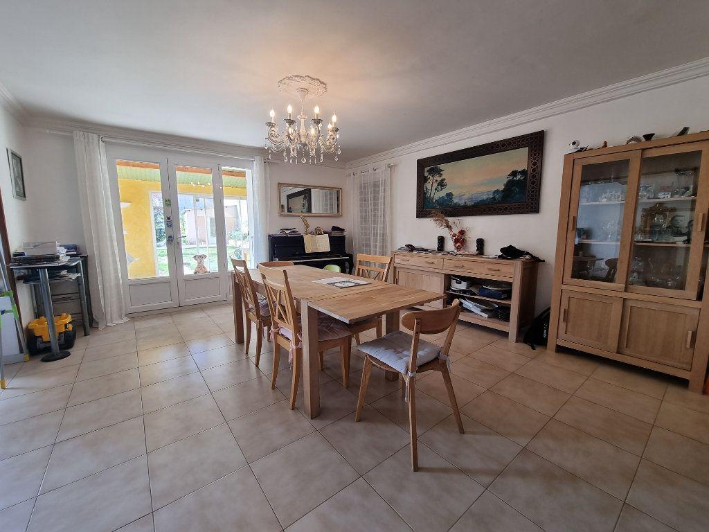 Maison à vendre 9 270m2 à Châteauneuf-de-Gadagne vignette-4