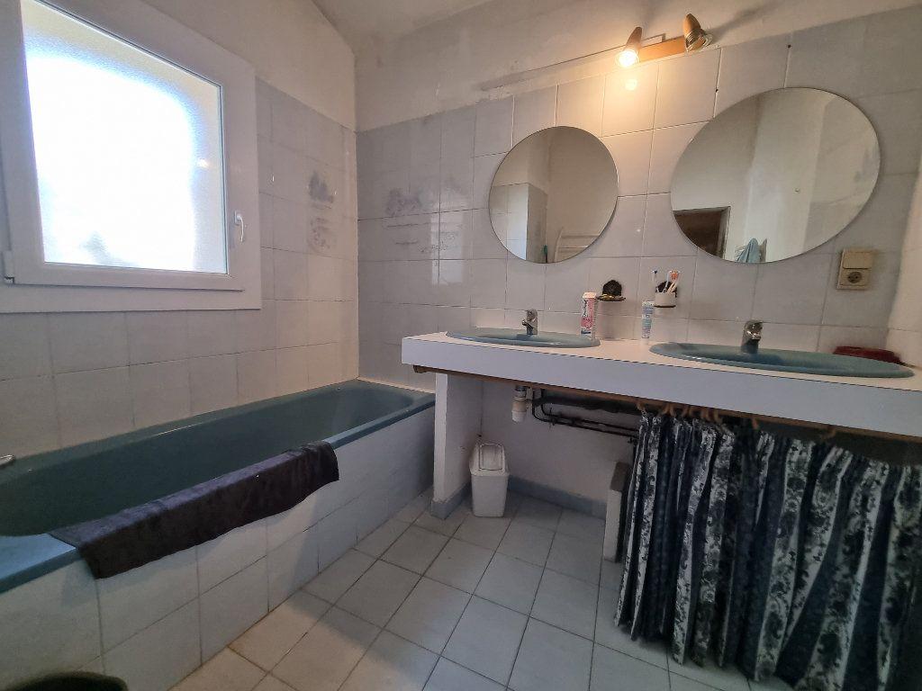 Maison à vendre 9 270m2 à Châteauneuf-de-Gadagne vignette-7