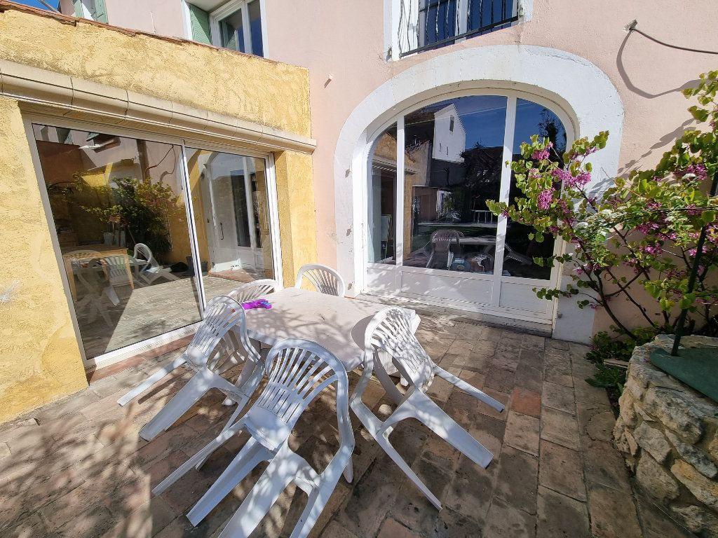 Maison à vendre 9 270m2 à Châteauneuf-de-Gadagne vignette-9