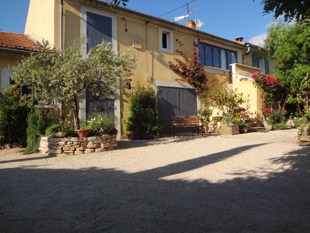 Maison à vendre 9 275m2 à Gargas vignette-1