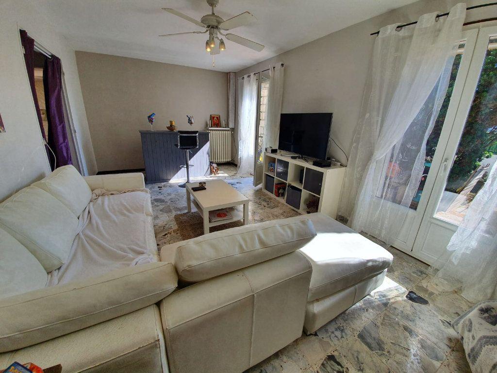 Maison à vendre 5 113m2 à Saint-Martin-de-Crau vignette-4