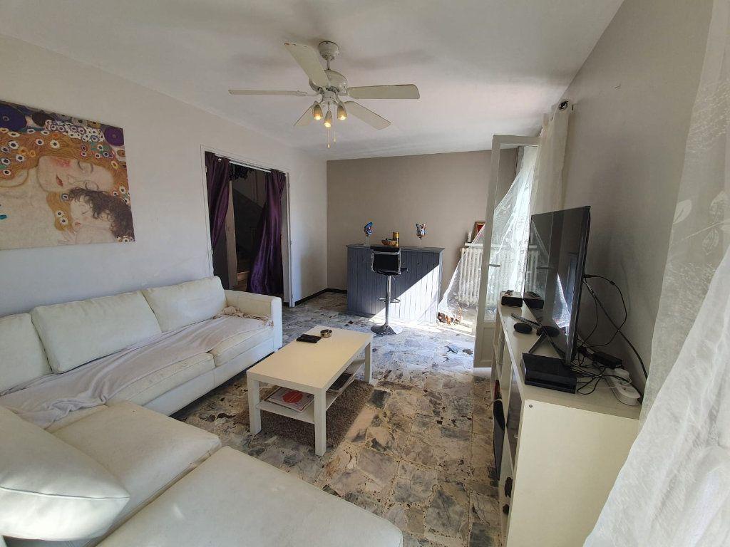Maison à vendre 5 113m2 à Saint-Martin-de-Crau vignette-5