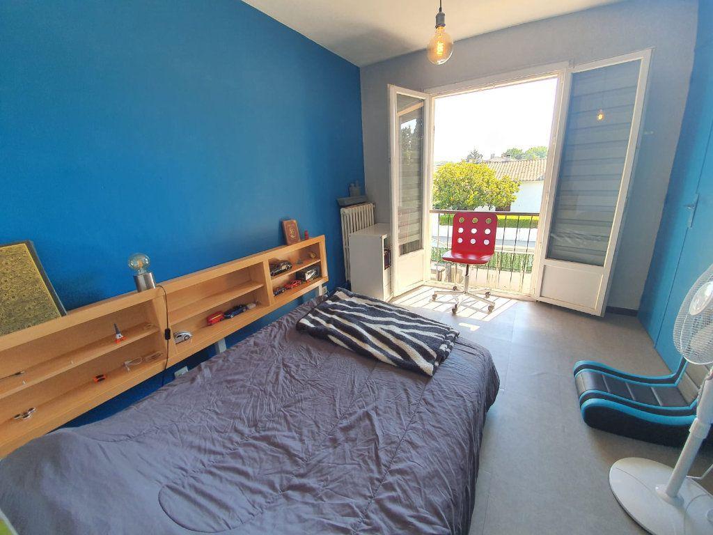 Maison à vendre 5 113m2 à Saint-Martin-de-Crau vignette-9