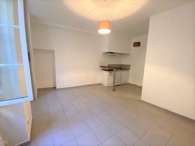 Appartement à louer 1 22.45m2 à Avignon vignette-2