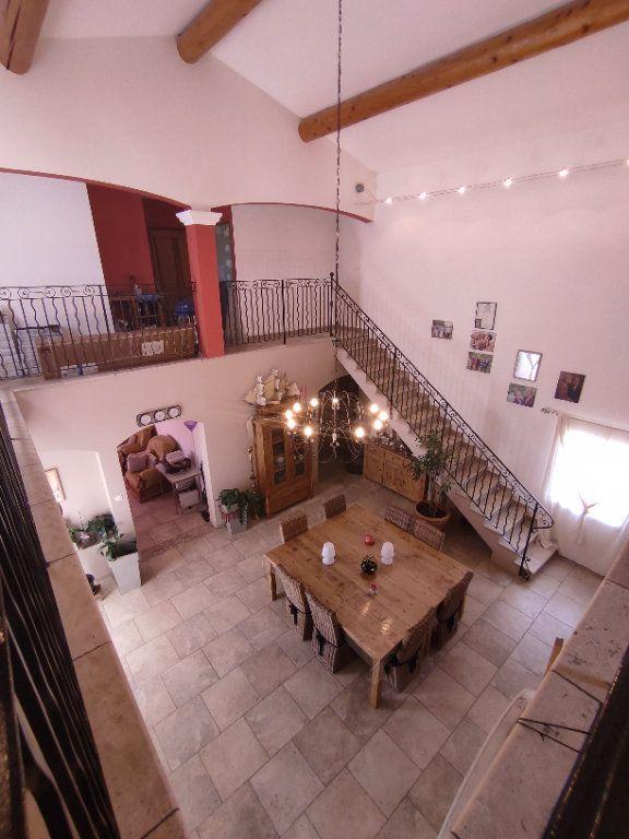 Maison à vendre 7 190m2 à Saint-Martin-de-Crau vignette-1