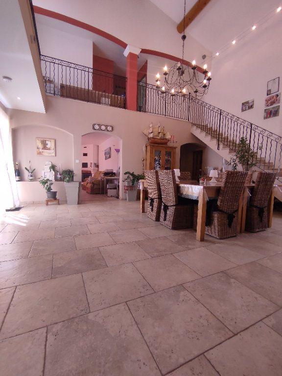 Maison à vendre 7 190m2 à Saint-Martin-de-Crau vignette-2