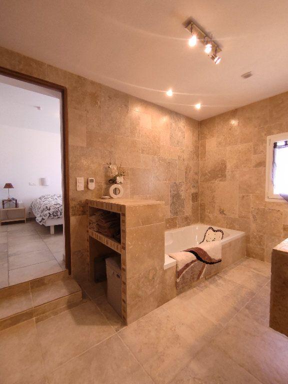 Maison à vendre 7 190m2 à Saint-Martin-de-Crau vignette-4