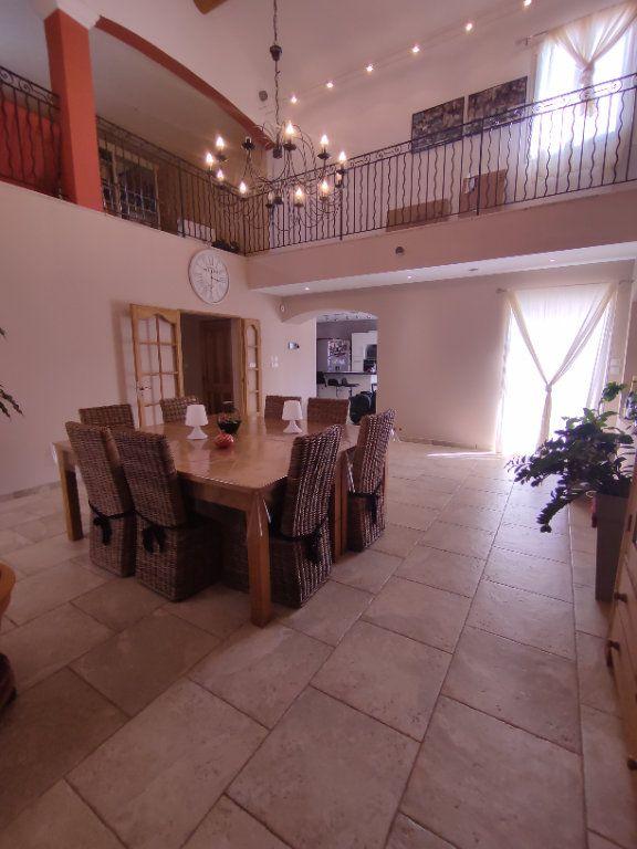 Maison à vendre 7 190m2 à Saint-Martin-de-Crau vignette-5