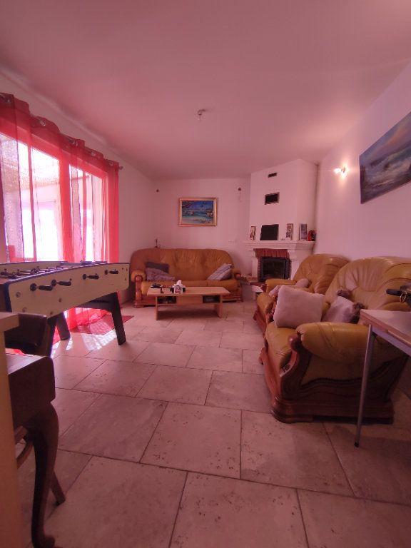 Maison à vendre 7 190m2 à Saint-Martin-de-Crau vignette-6