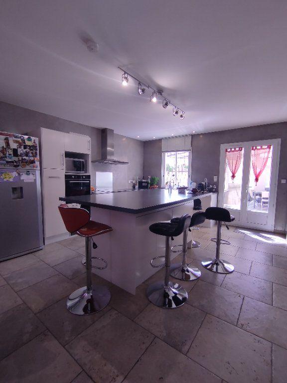 Maison à vendre 7 190m2 à Saint-Martin-de-Crau vignette-7
