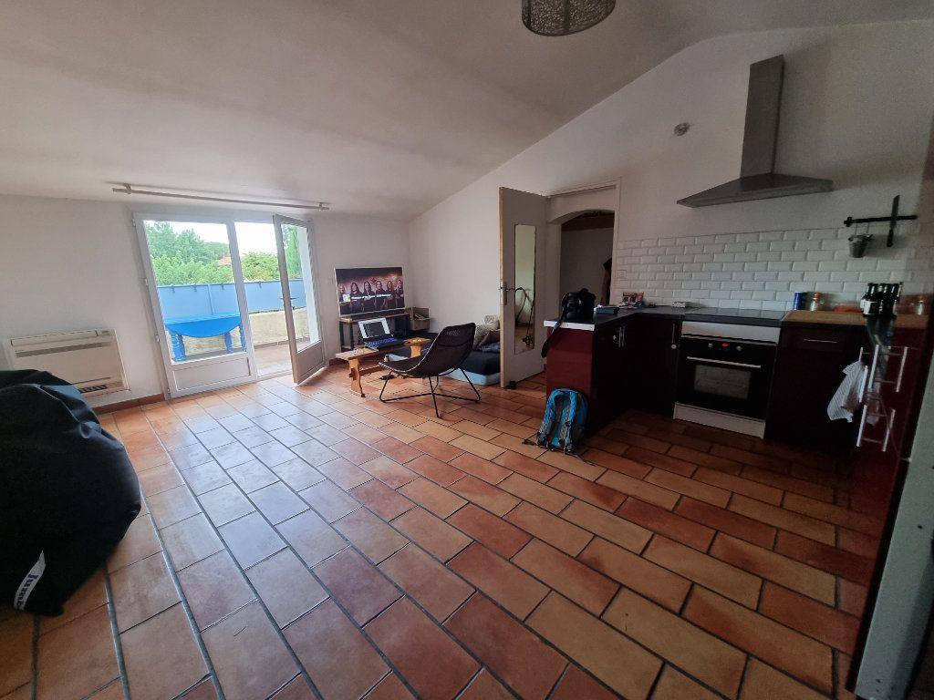 Appartement à vendre 3 65m2 à Montfavet - Avignon vignette-1