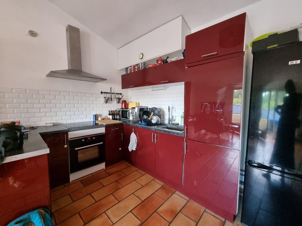 Appartement à vendre 3 65m2 à Montfavet - Avignon vignette-2