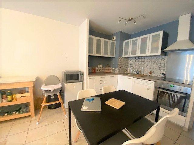 Appartement à louer 3 53.65m2 à Montfavet - Avignon vignette-2