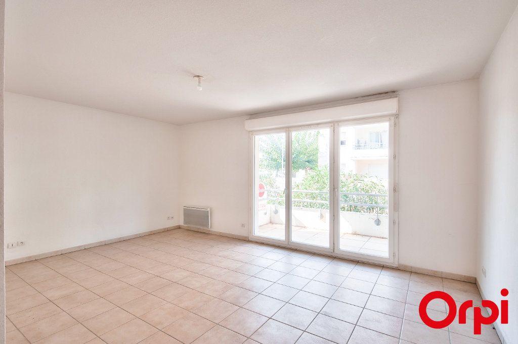 Appartement à vendre 3 60.44m2 à Miramas vignette-2