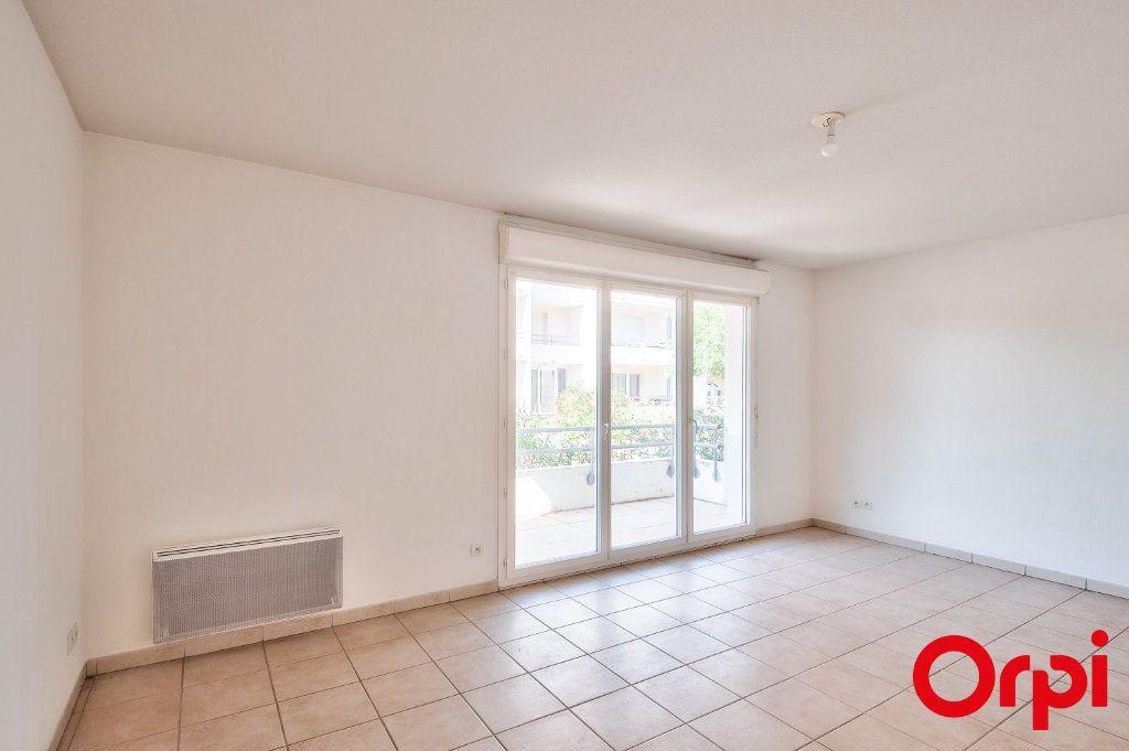 Appartement à vendre 3 60.44m2 à Miramas vignette-3