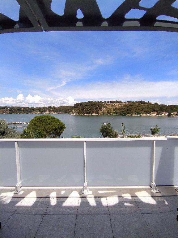 Appartement à louer 3 70.13m2 à Istres vignette-1