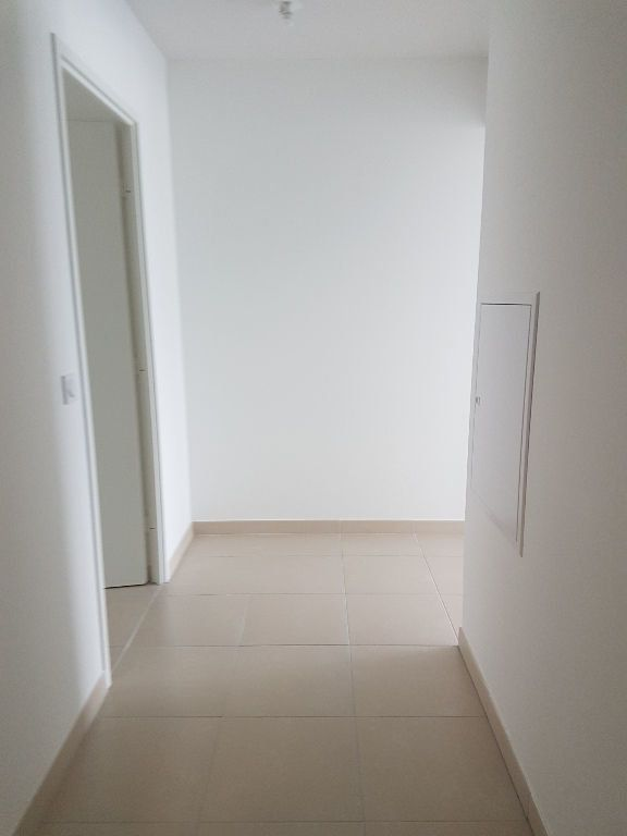 Appartement à louer 3 70.13m2 à Istres vignette-7