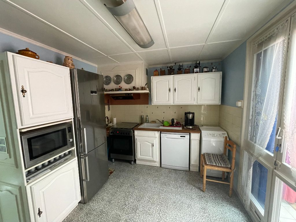 Maison à vendre 4 82.2m2 à Montfavet - Avignon vignette-3