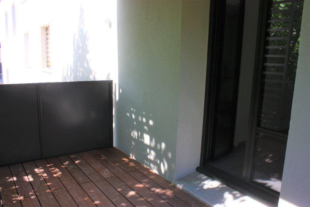Appartement à louer 3 74.9m2 à L'Isle-sur-la-Sorgue vignette-10