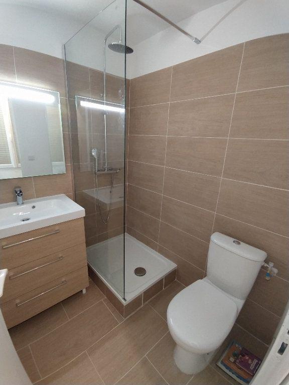 Appartement à louer 2 33.08m2 à Istres vignette-2