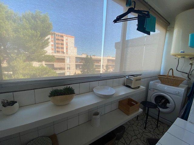 Appartement à louer 3 61.22m2 à Avignon vignette-4