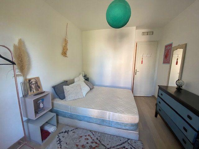 Appartement à louer 3 61.22m2 à Avignon vignette-6