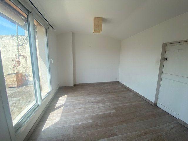 Appartement à louer 2 32.5m2 à Avignon vignette-1
