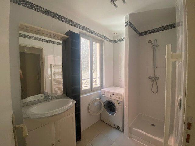 Appartement à louer 2 32.5m2 à Avignon vignette-5