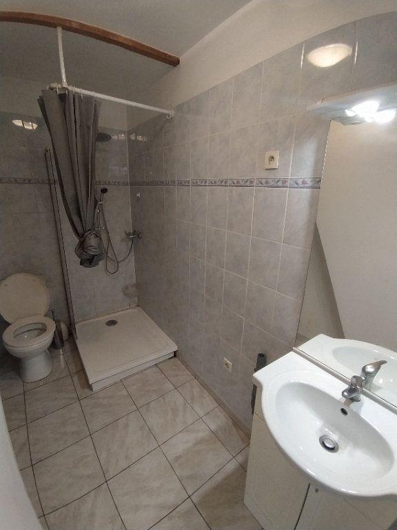 Appartement à louer 2 30.41m2 à Istres vignette-5