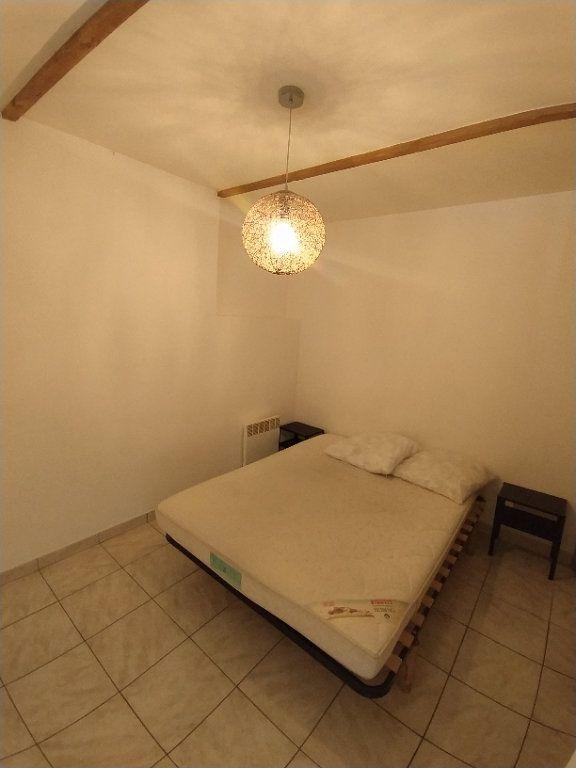 Appartement à louer 2 30.41m2 à Istres vignette-6