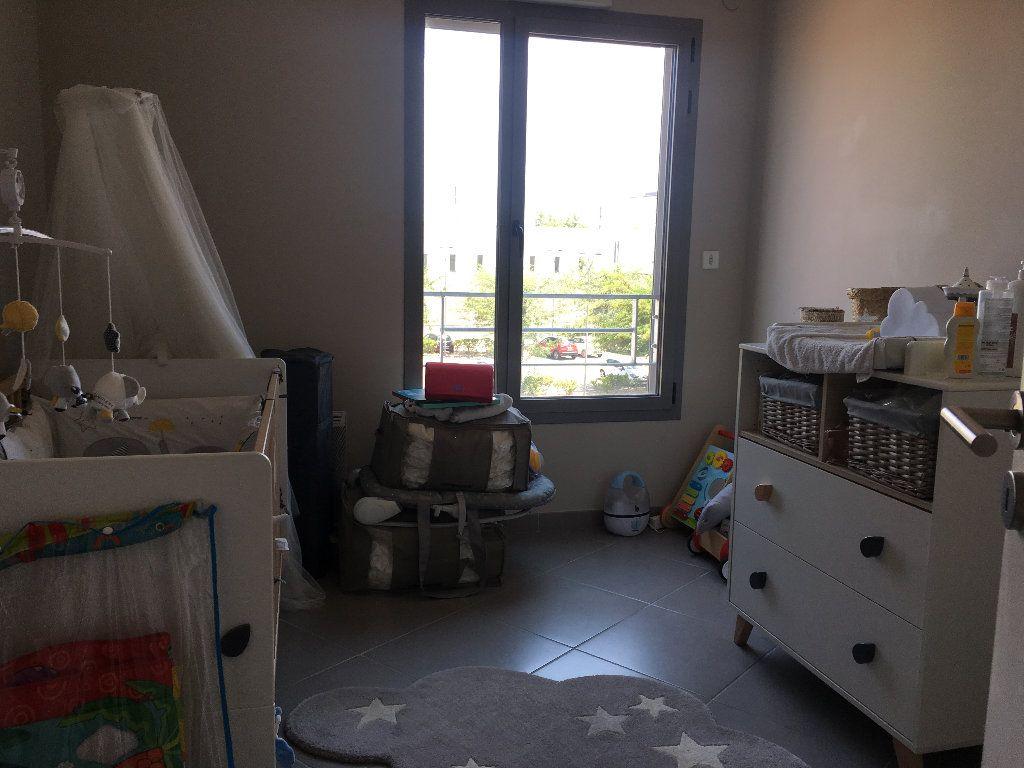 Appartement à louer 4 82.9m2 à Avignon vignette-5