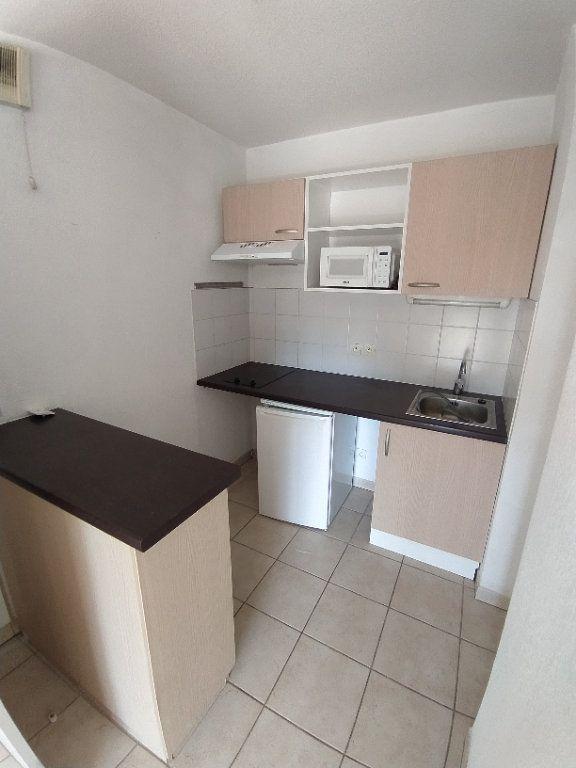 Appartement à louer 2 35.4m2 à Miramas vignette-2