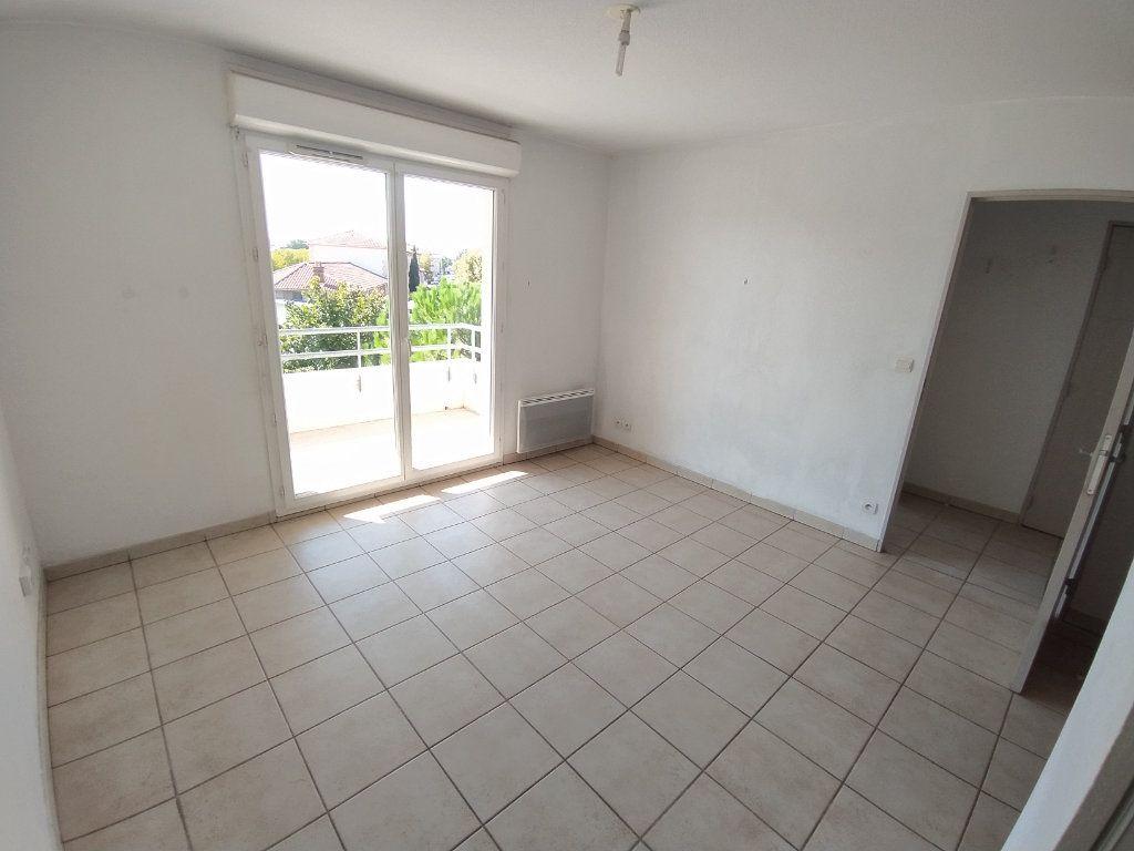 Appartement à louer 2 35.4m2 à Miramas vignette-3
