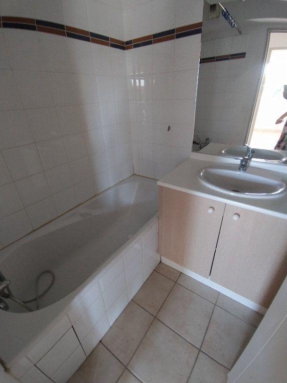 Appartement à louer 2 35.4m2 à Miramas vignette-5